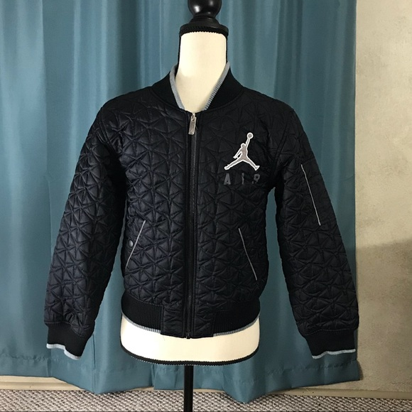 4d6b11d557a3cb Nike Air Jordan black quilted boy s jacket M. M 5b32ec558ad2f97a0b3be791